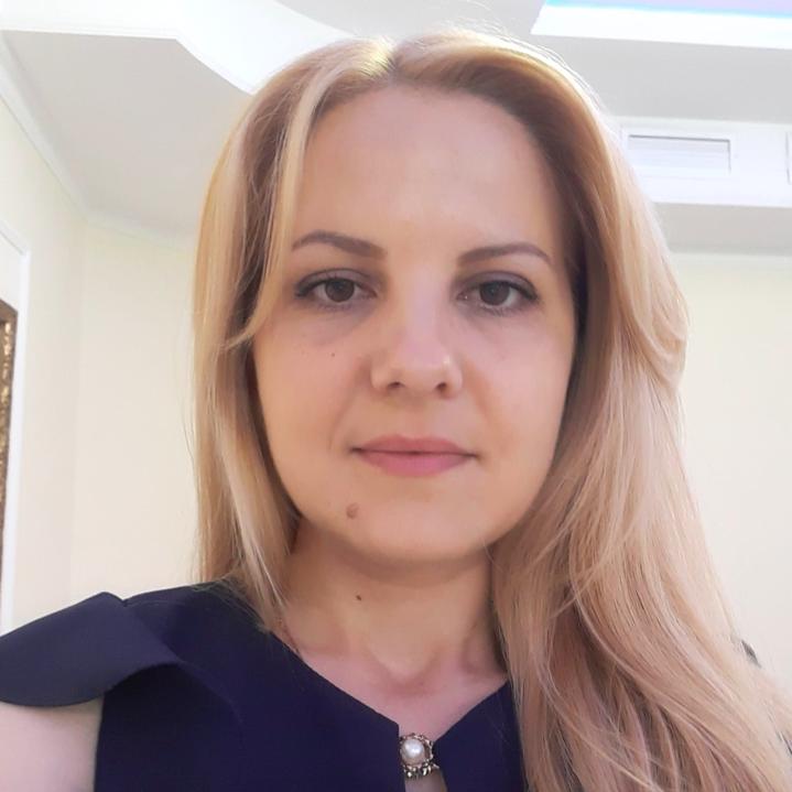 Donna Berlin - Marketing & Media Specialist at Beeanerd